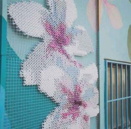 Cross-stitch-Facade-news-site